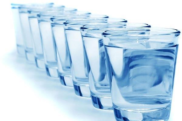 Почему надо пить много воды