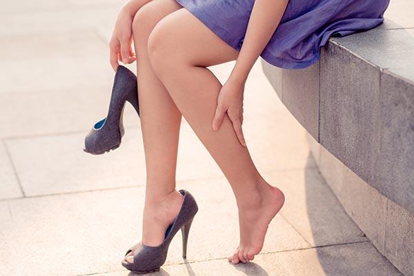 Почему опухают ноги?
